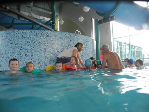 Závěrečná lekce plavání ZŠ a MŠ v Aquaparku v Horažďovicích