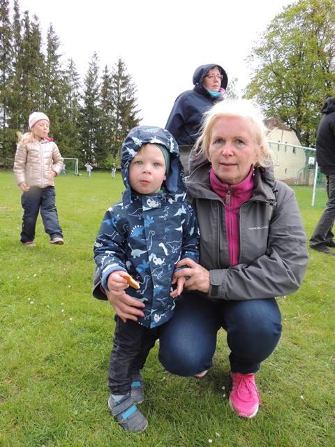 ŠD - Opékání s maminkami a babičkami